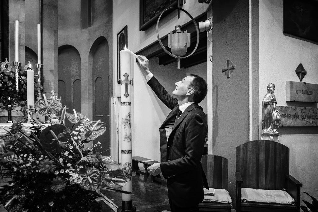 Fotografo battesimo cerimonia in bianconero Milano Stefano Pedrelli