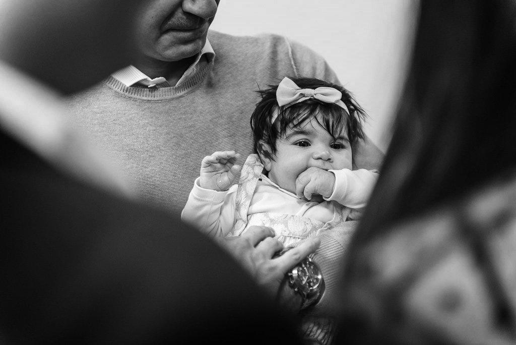 Fotografie bianconero battesimo cerimonia Milano Stefano Pedrelli