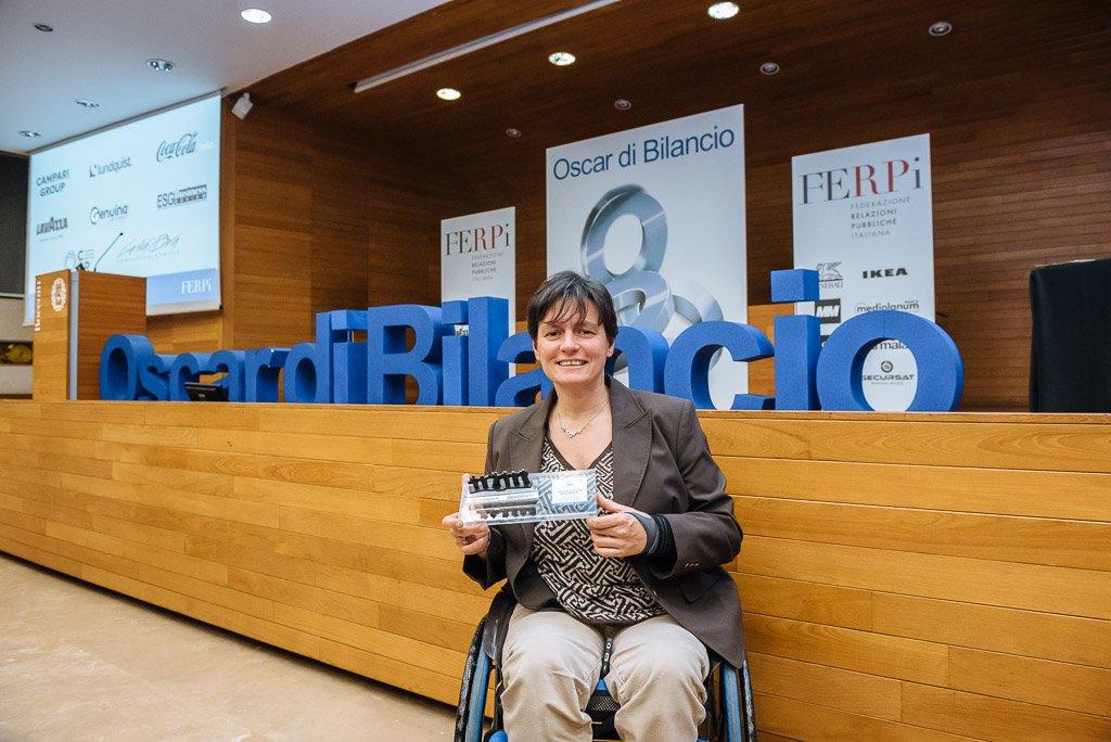 Roberta Amadeo, Past President di AISM con l'Oscar di Bilancio 2018 - Fotografo  Milano Stefano Pedrelli