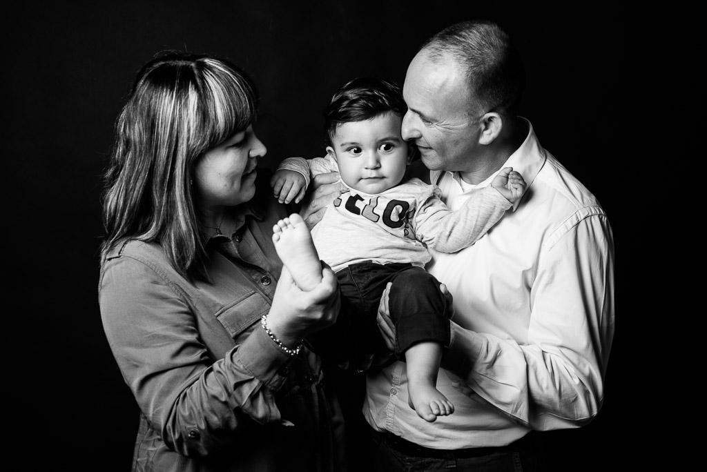 Fotografo famiglia in studio foto bambini MIlano